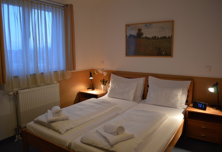 Hotel Donaustadt Kagran, Viena, Standartinio tipo dvivietis kambarys, Svečių kambarys