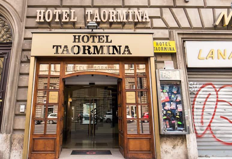 Taormina, Rome