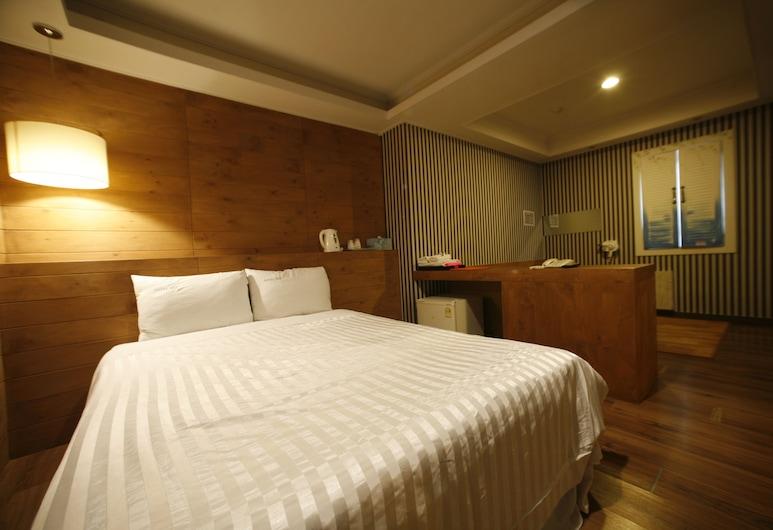 鐘路仁寺洞商務酒店, 首爾, 家庭套房, 浴缸 (One Double Bed+Ondol Room), 客房