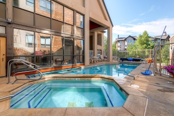Enter your dates to get the Steamboat Springs hotel deal