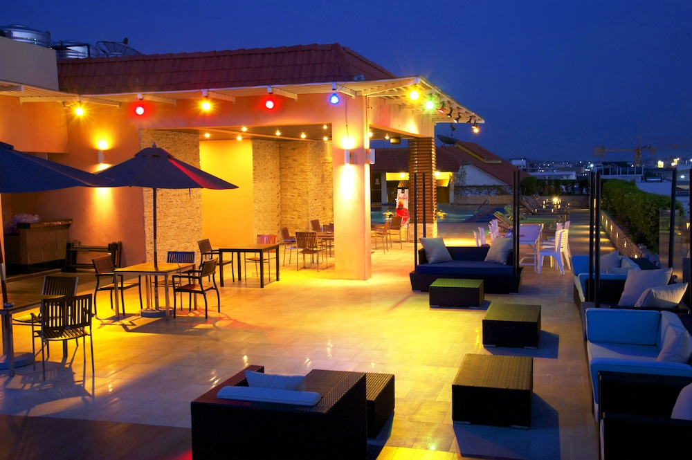 Book intimate hotel pattaya by tim boutique in pattaya for Best design boutique hotels thailand