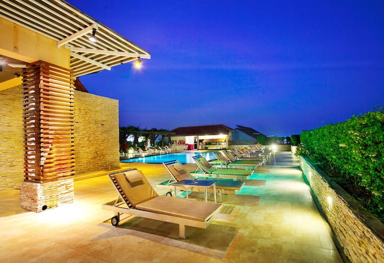 Intimate Hotel Pattaya , Pattaya, Rooftop Pool