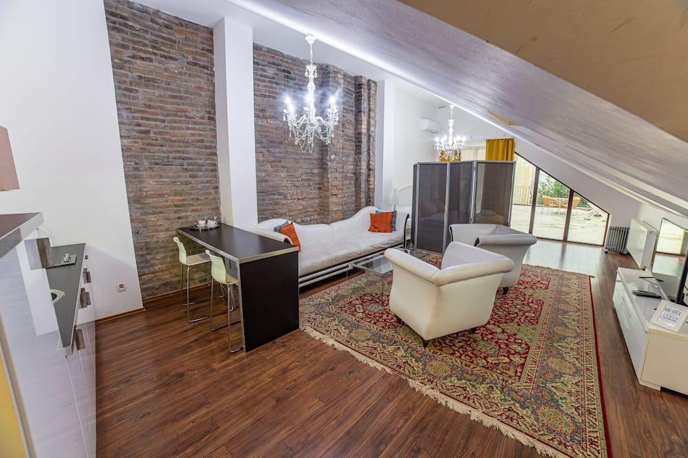 Suite, Balcony (4 adults) - Living Area