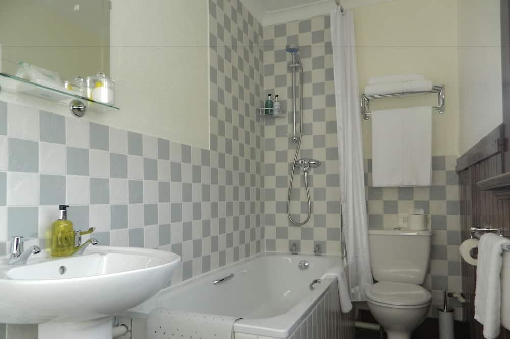Superior Double Room (Coleridge) - Bathroom