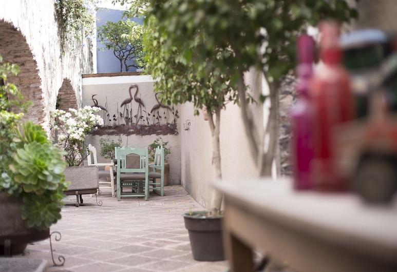 La Casa del Atrio, Queretaro, Αυλή