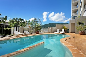 Image de at Whitsunday Vista Holiday Apartments à Airlie Beach