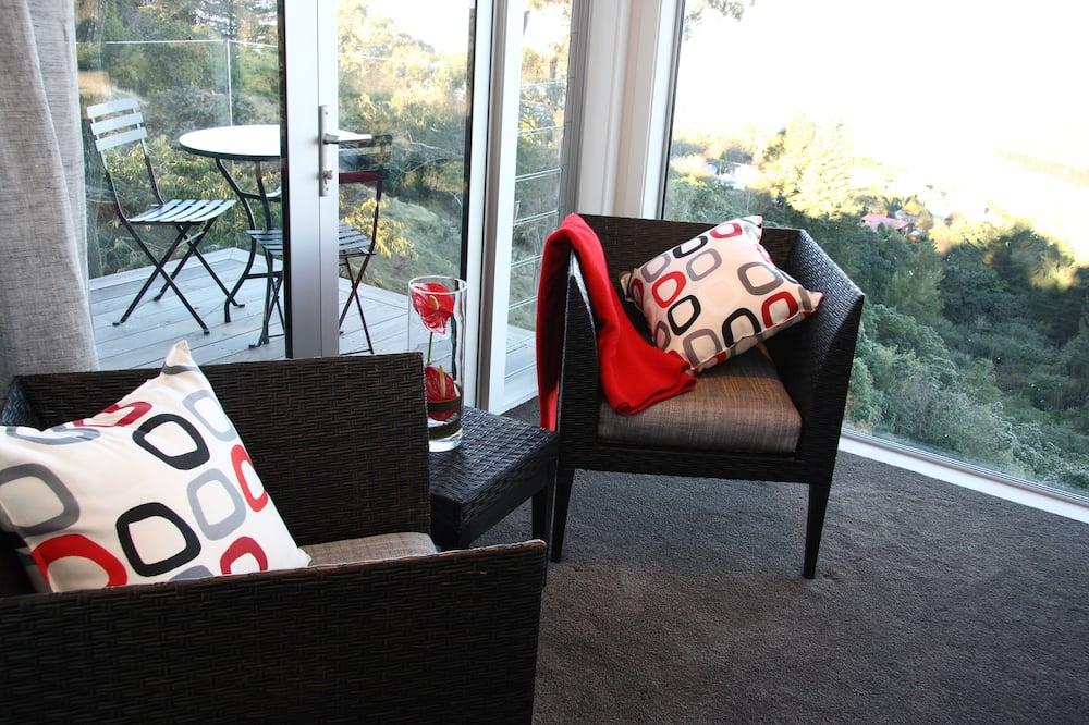 Luxus szoba kétszemélyes ággyal, kilátással a tóra (Kaimanawa) - Erkély