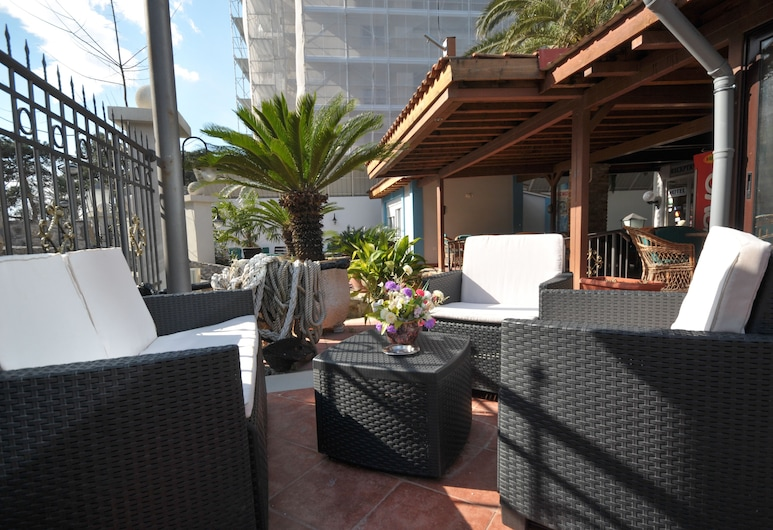 Oaza, Budva, Salón lounge del hotel