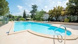 Choose This 3 Star Hotel In Serignac-sur-Garonne