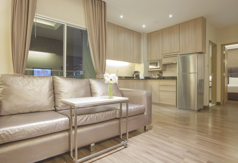 V Residence Serviced Apartment, Bangkok, Executive Suite, Living Area