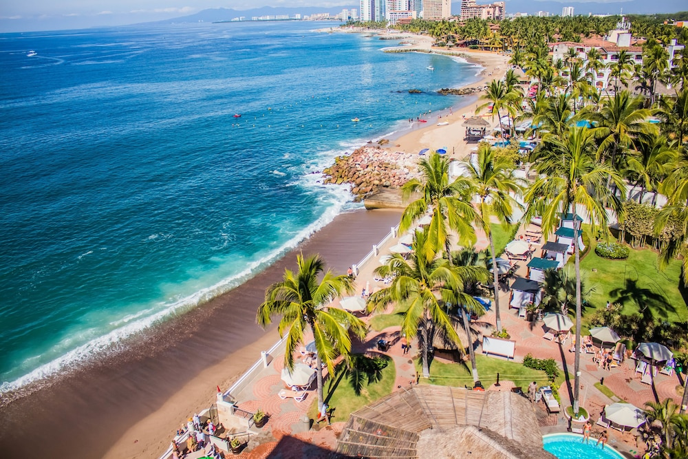 Plaza Pelicanos Grand Beach Resort All Inclusive Puerto Vallarta