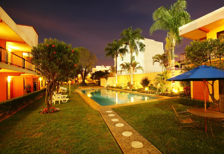 Hotel Puerta Del Sol, Zapopan, Piscine en plein air