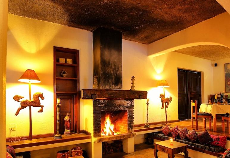 Hotel Villa Santa Catarina, Panajachel, Salottino della hall