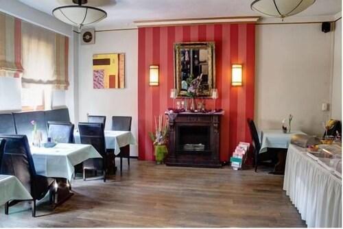 Hotel Restaurant Arnoldusklause, Dueren