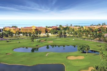 תמונה של Las Villas Spa & Golf Resort By Estrella del Mar במזטלן