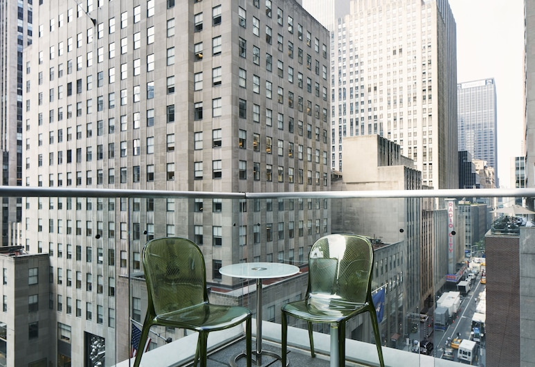The Jewel, a Club Quarters Hotel, Opposite Rockefeller Center, New York, Superior Room, Terrace, Guest Room