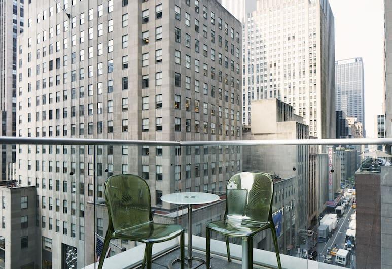 The Jewel facing Rockefeller Center, New York, Superior kamer, terras, Kamer