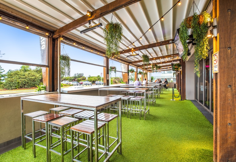 Narrabeen Sands Hotel by Nightcap Plus, Narrabeen, Terras