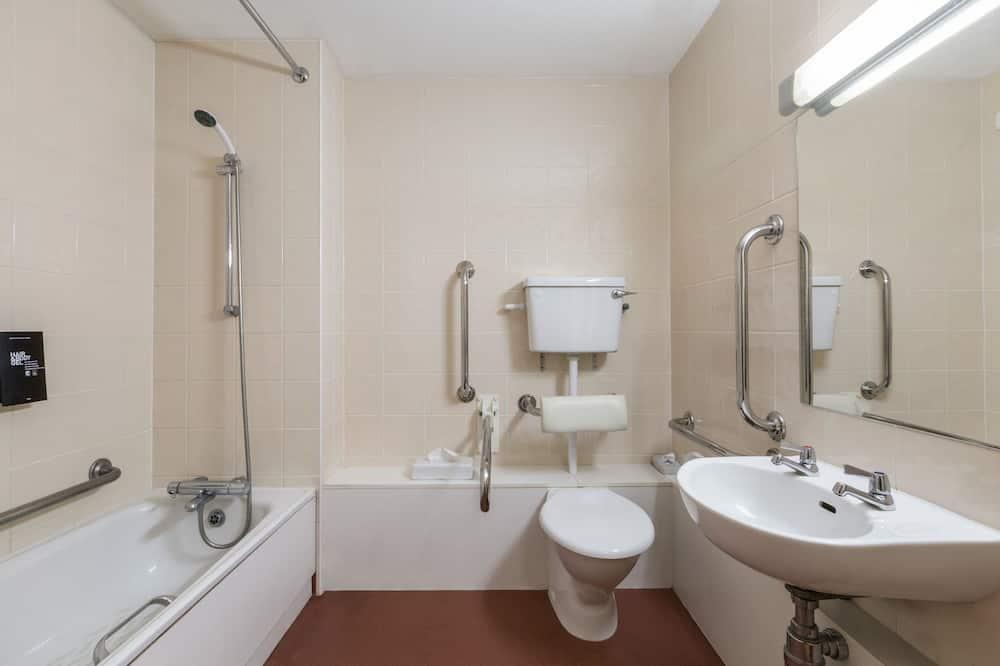 Izba, 1 dvojlôžko, bezbariérová izba, nefajčiarska izba - Kúpeľňa