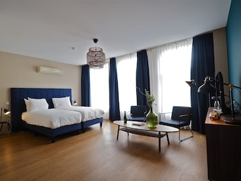 Choose This 4 Star Hotel In Rotterdam