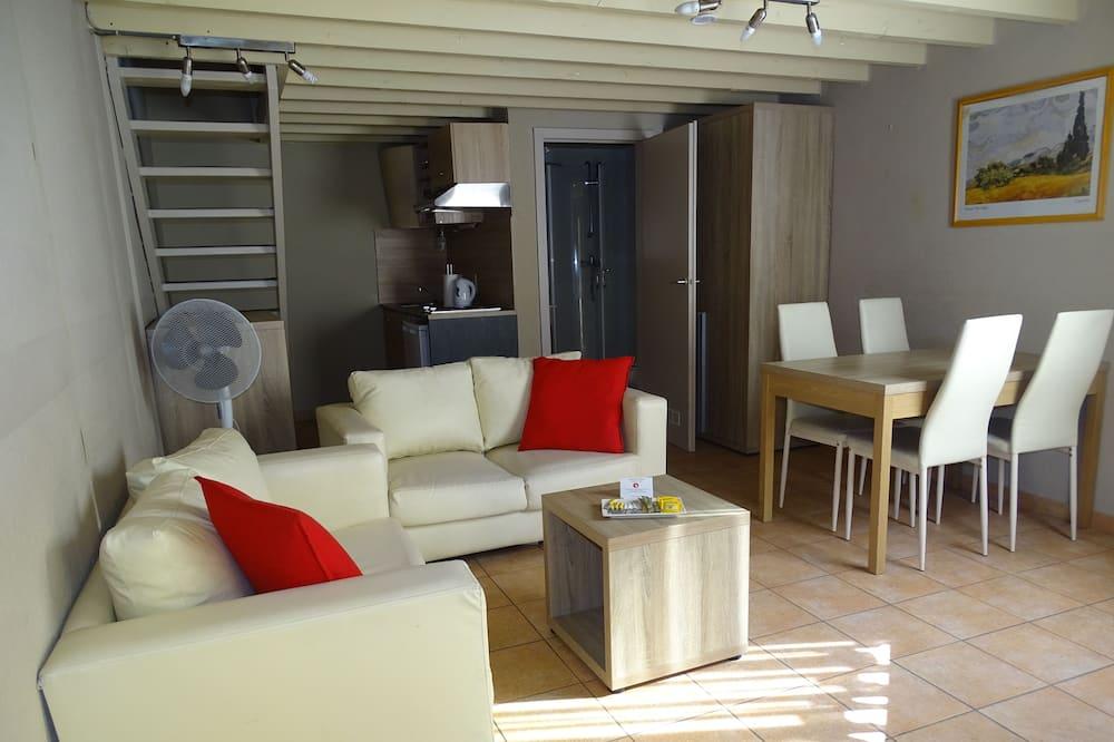 Grand Apartment, 1 Bedroom - Living Area