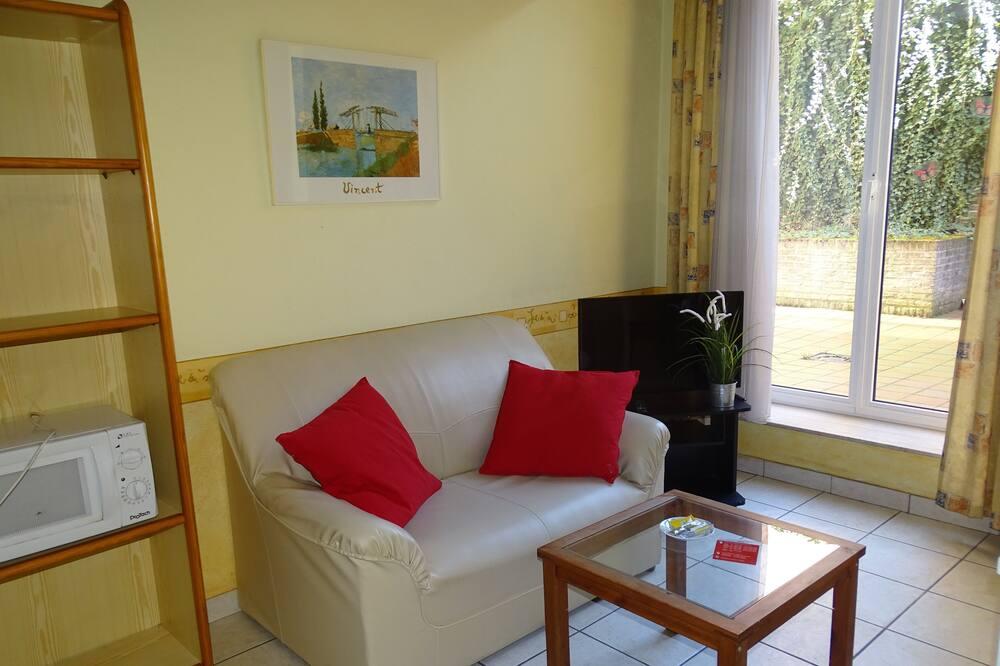Basic Studio - Living Area