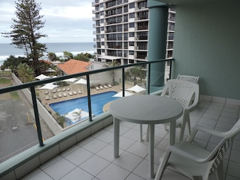 Picture of Emerald Sands Apartments in Surfers Paradise