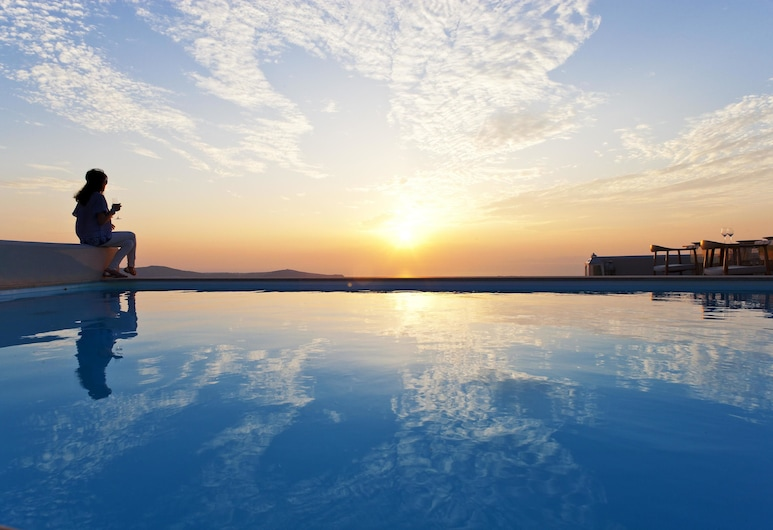 Gold Suites, Santorini, Piscina