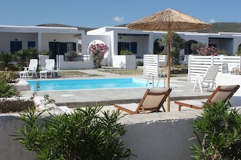 Enter your dates to get the Paros hotel deal