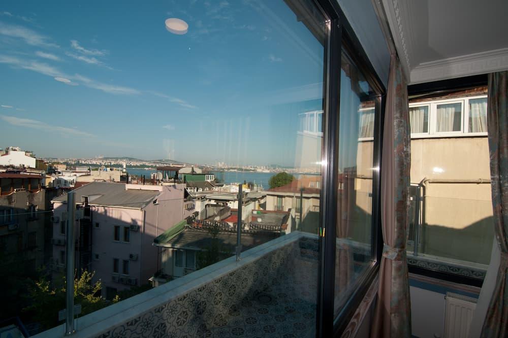 Suite Room with Balcony and Private Hammam - إطلالة على الشاطئ/ البحر