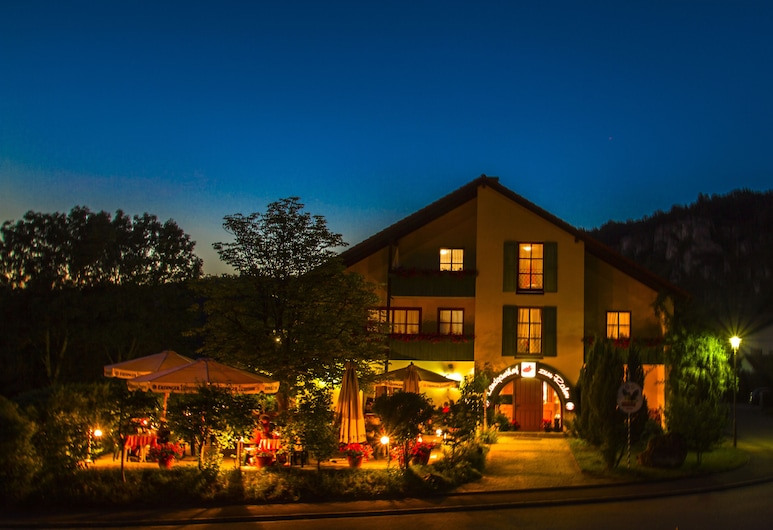 Landhotel zum Raben, Kipfenberg, Property Grounds