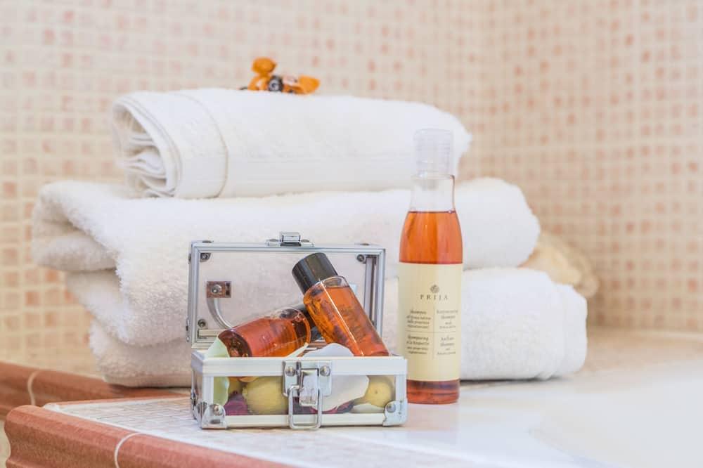 Doppelzimmer (Jean Giono) - Badezimmerausstattung