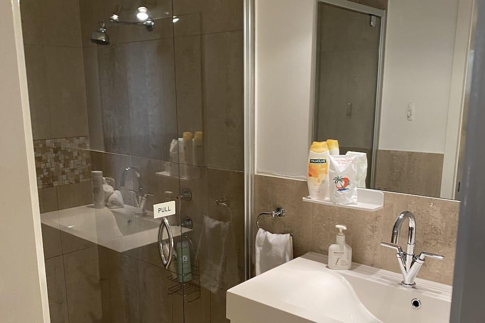 Deluxe Suite, Non Smoking, Balcony (aircondition with ensuite) - Bathroom