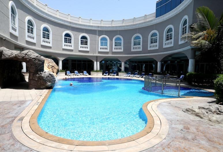 Sharjah Premiere Hotel Resort, Sharjah, Vaade hotellist