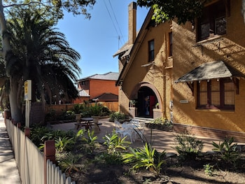 15 closest hotels to sydney ashfield station in ashfield hotels com rh hotels com