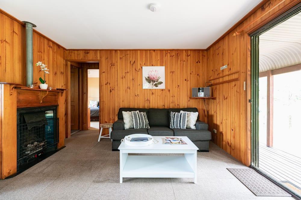 Standard Suite, 2 Bedrooms, Kitchen (Chardonnay 4 guest 3night) - Living Area