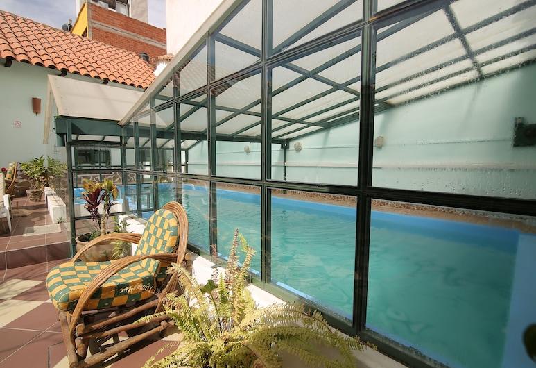 Casa Verde B&B, סוקרה, בריכה מקורה