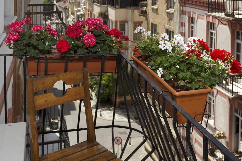 Shared Dormitory - Balcony