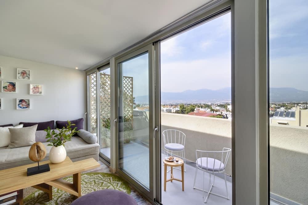 Suite, Mezzanine - Living Area