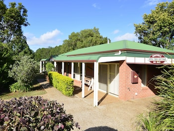 Picture of Apple Tree Cottage & Studio in Montville