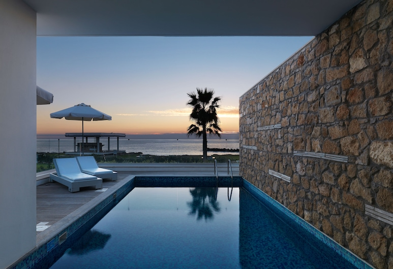 Paradise Cove Luxurious Beach Villas, Paphos, Alberca