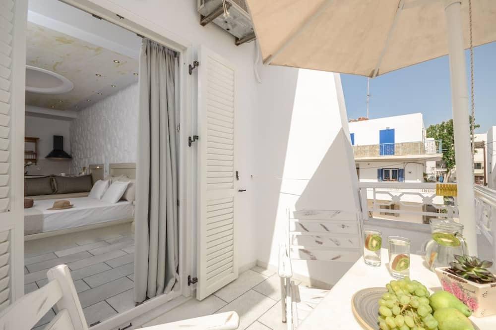 Studio (3 Adults) - Balcony