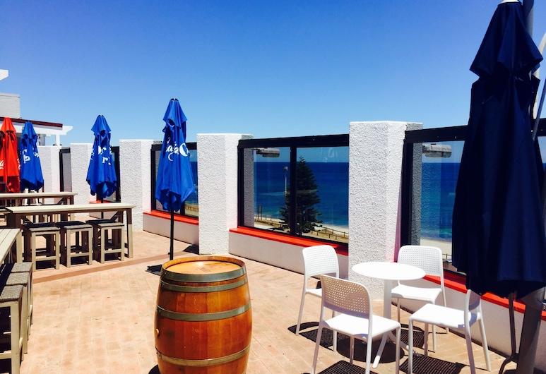 Ocean Beach Hotel, Cottesloe, Viešbučio baras