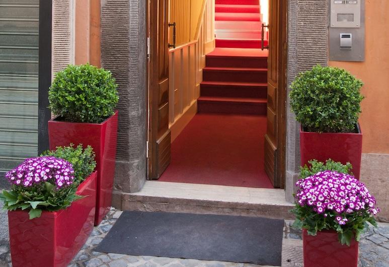 Trevi 41 Hotel, Rome, Façade de l'hôtel
