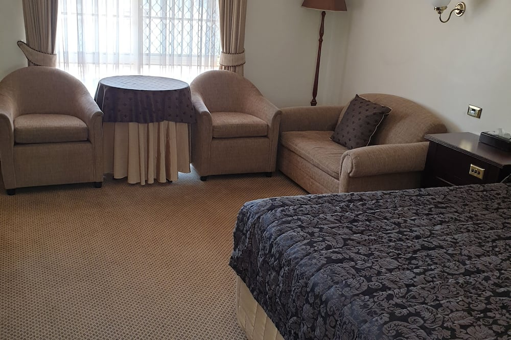 Queen Room (Partial Disability Access) - In-Room Dining
