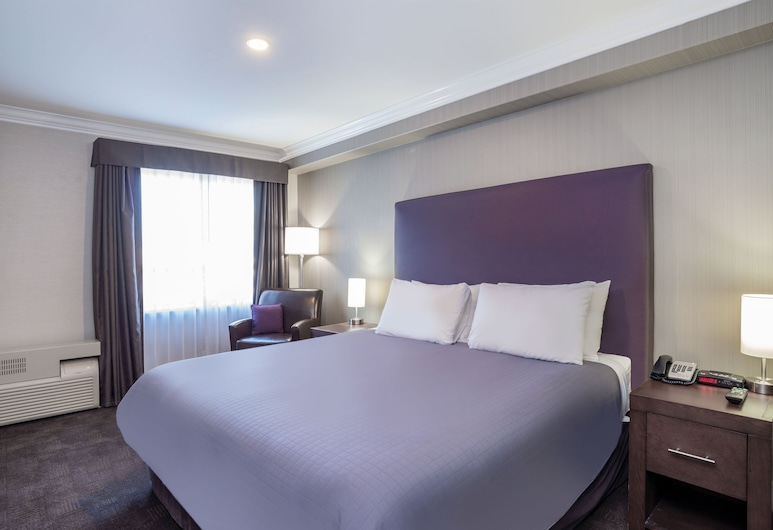 Sandman Hotel & Suites Abbotsford, Abbotsford, Executive Suite, 1 King Bed, Guest Room