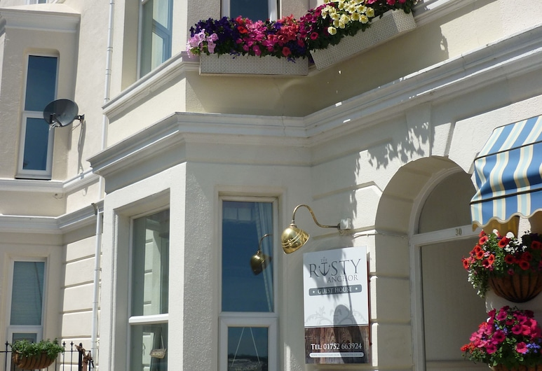 The Rusty Anchor Guesthouse, Plymouth, Hotel Entrance