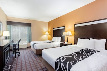 Picture of La Quinta Inn & Suites by Wyndham Indianapolis Airport West in Plainfield