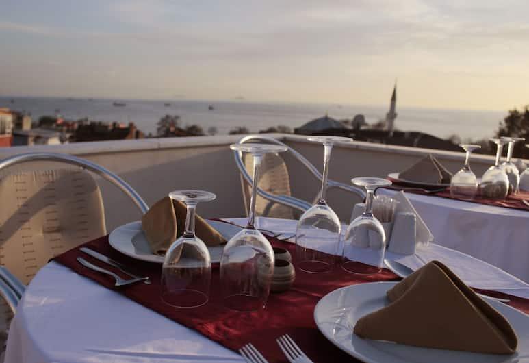 Sultanahmet Cesme Hotel, Istanbul, Utendørsservering
