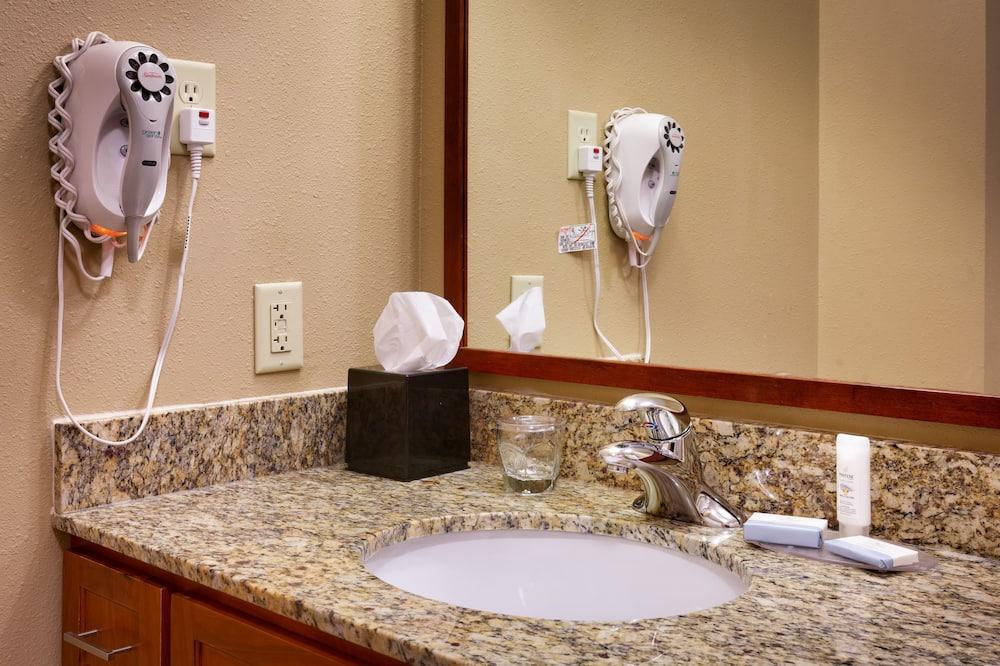 Apartmán, 1 spálňa, kuchyňa (1 Queen, Living, Dining) - Kúpeľňa
